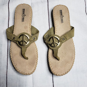 Minnetonka peace sign green olive sandal thong 8